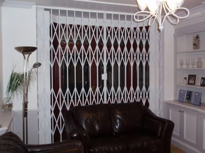 Barking Domestic, Lattice Gate